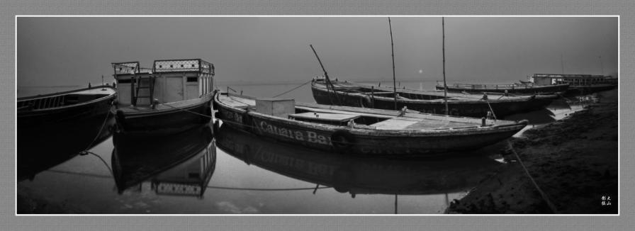 Morning Sunrise above the Ganga