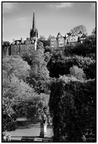 Digital: Looking up to the old section of Edinburgh